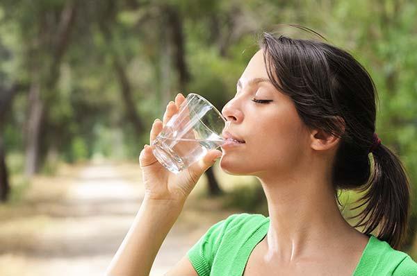 Los beneficios del agua en nuestra dieta